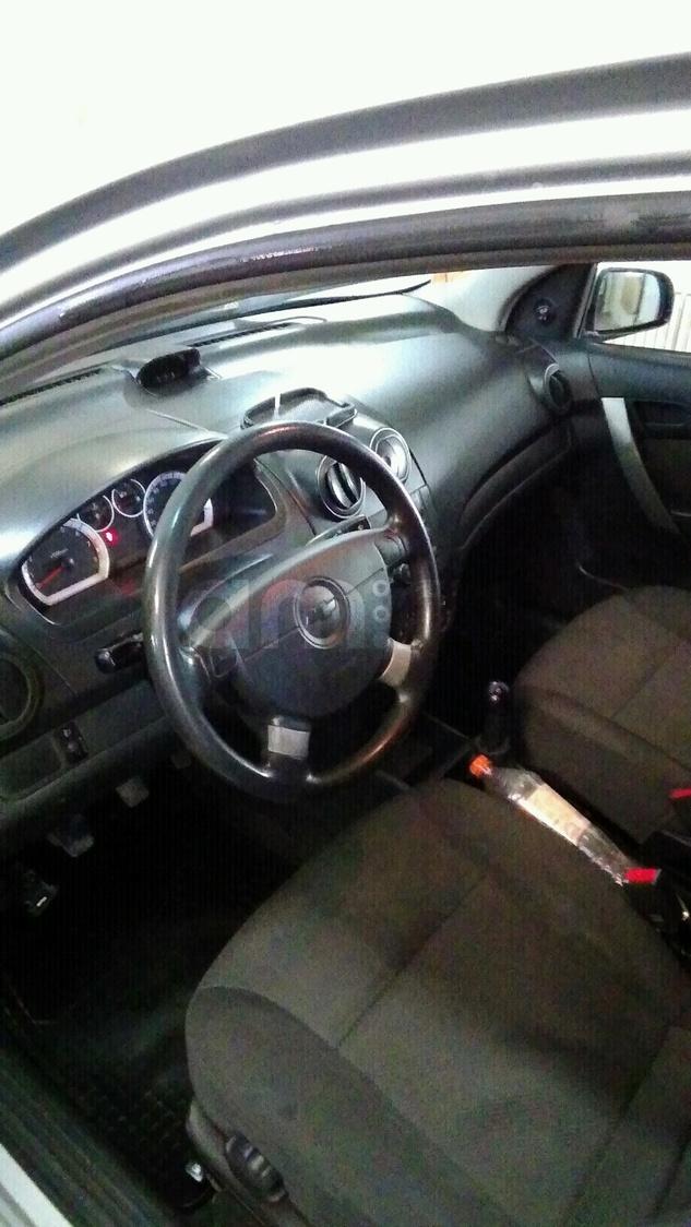 Подержанный Chevrolet Aveo, хорошее состояние, серебряный , 2007 года выпуска, цена 220 000 руб. в Тверской области