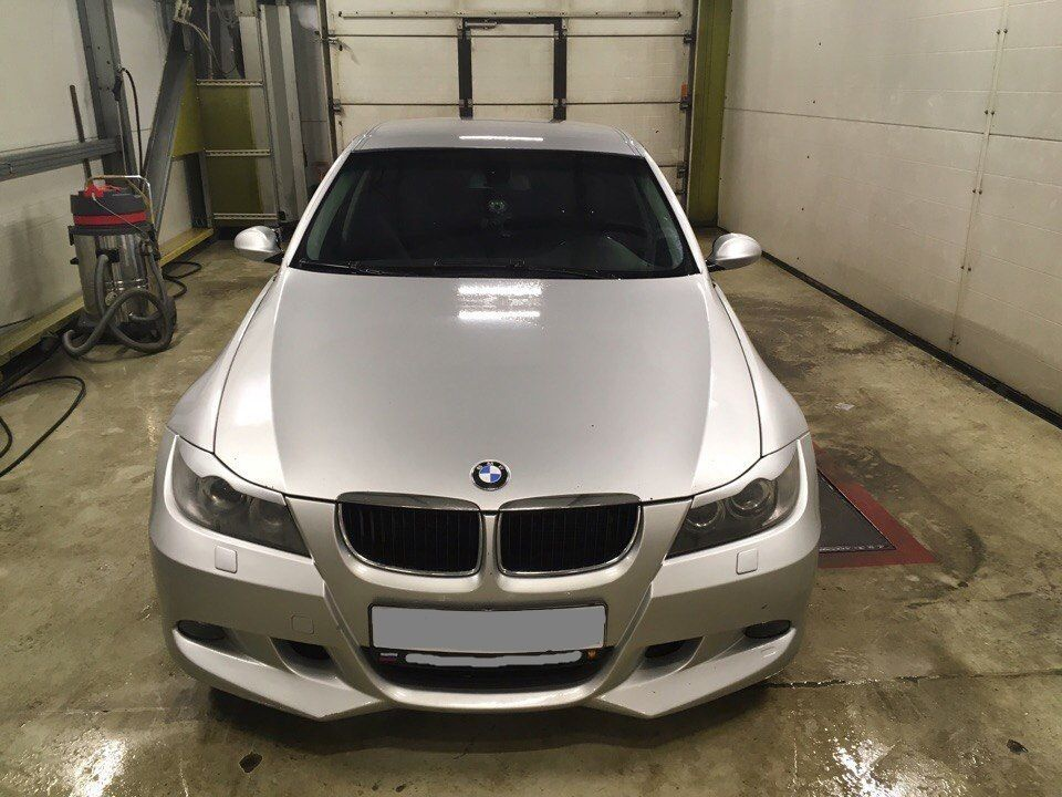 Подержанный BMW 3 серия, хорошее состояние, серебряный , 2006 года выпуска, цена 400 000 руб. в Санкт-Петербурге