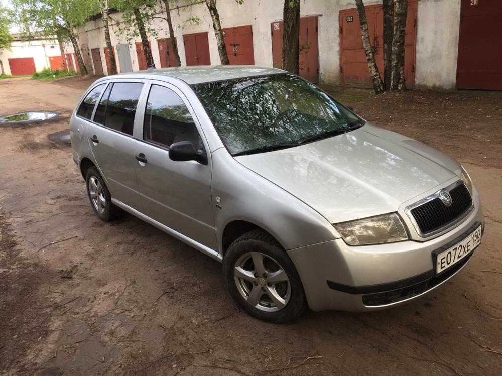 Подержанный Skoda Fabia, отличное состояние, серебряный , 2002 года выпуска, цена 200 000 руб. в Твери