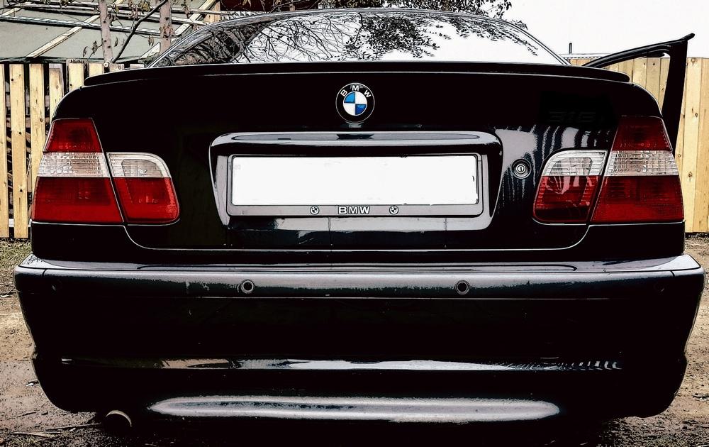 Подержанный BMW 3 серия, среднее состояние, черный , 2004 года выпуска, цена 400 000 руб. в Иркутской области