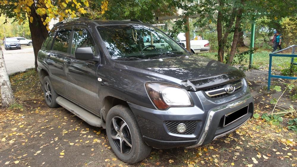 Подержанный Kia Sportage, отличное состояние, серый металлик, 2010 года выпуска, цена 599 000 руб. в Челябинской области