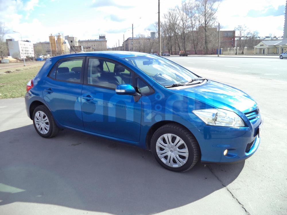 Toyota Auris с пробегом, синий металлик, отличное состояние, 2010 года выпуска, цена 570 000 руб. в автосалоне Инфо Кар Плюс (Санкт-Петербург, дорога на Турухтанные острова, д. 10)