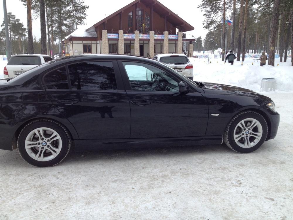 Подержанный BMW 3 серия, хорошее состояние, черный , 2011 года выпуска, цена 700 000 руб. в ао. Ханты-Мансийском Автономном округе - Югре