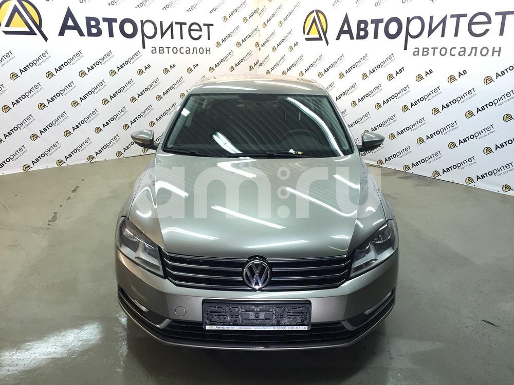 Volkswagen Passat с пробегом, бежевый металлик, отличное состояние, 2013 года выпуска, цена 749 000 руб. в автосалоне  ()