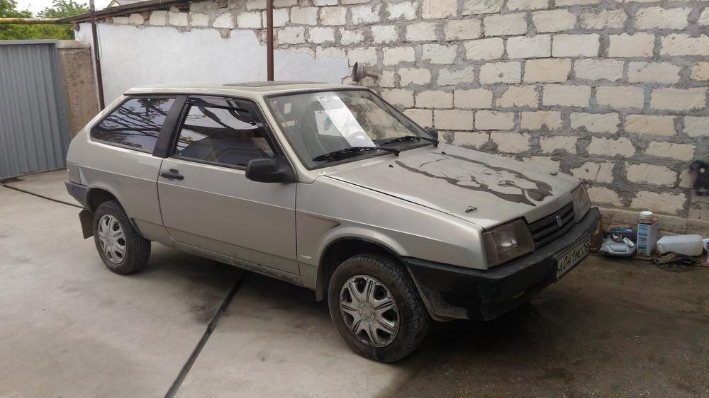 Подержанный ВАЗ (Lada) 2108, хорошее состояние, серый перламутр, 1989 года выпуска, цена 100 000 руб. в Крыму