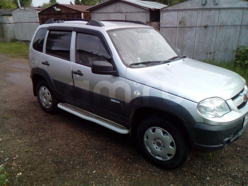 Подержанный Chevrolet Niva, отличное состояние, серебряный , 2012 года выпуска, цена 360 000 руб. в Твери