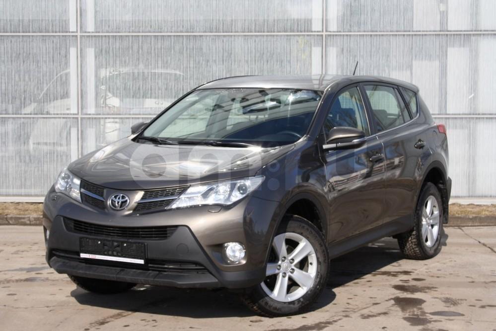 Подержанный Toyota RAV4, отличное состояние, коричневый , 2013 года выпуска, цена 1 100 000 руб. в Самаре