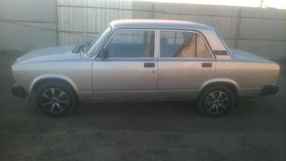 Подержанный ВАЗ (Lada) 2107, отличное состояние, серебряный , 2010 года выпуска, цена 90 000 руб. в Пензе