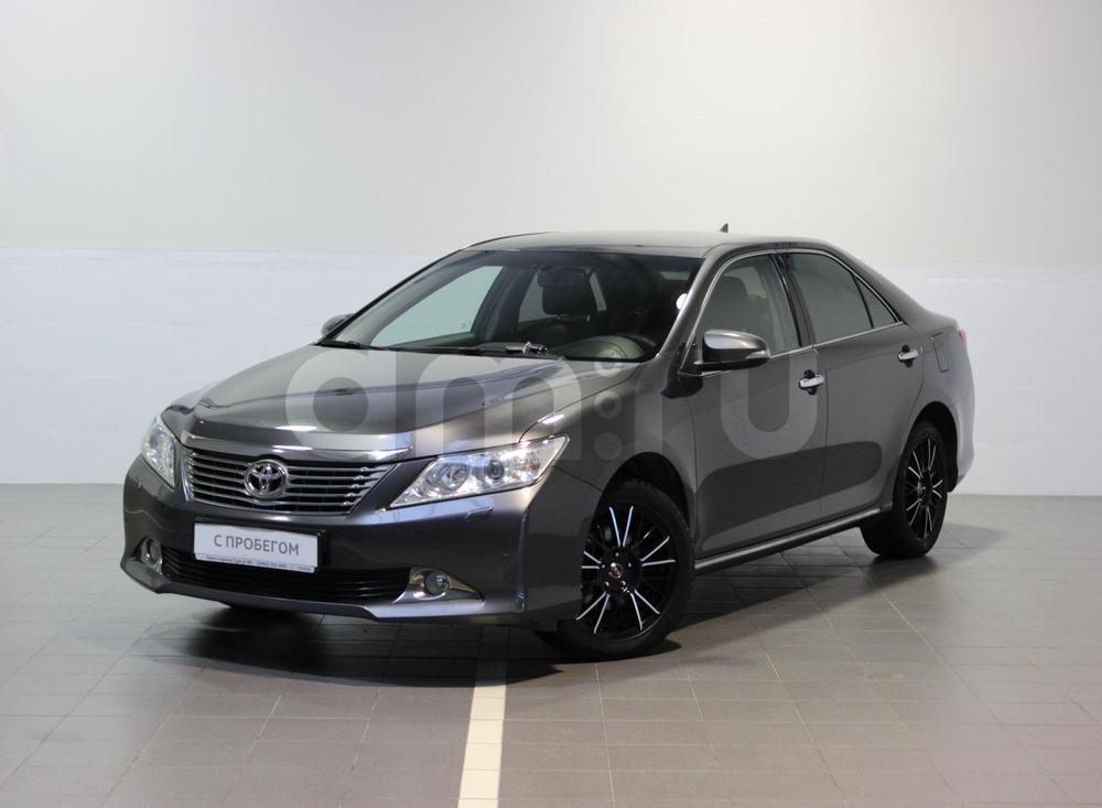 Toyota Camry с пробегом, серый металлик, отличное состояние, 2014 года выпуска, цена 1 297 000 руб. в автосалоне  ()