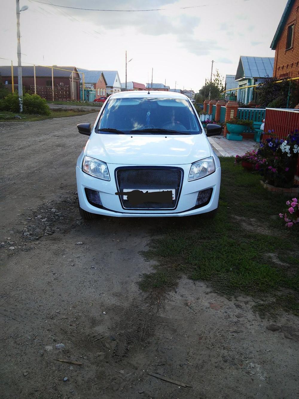 Подержанный ВАЗ (Lada) Granta, отличное состояние, белый , 2015 года выпуска, цена 330 000 руб. в республике Татарстане