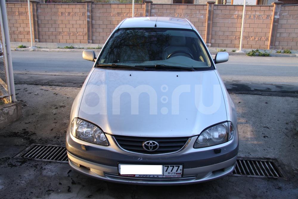 Подержанный Toyota Avensis, хорошее состояние, серебряный металлик, 2002 года выпуска, цена 330 000 руб. в Крыму