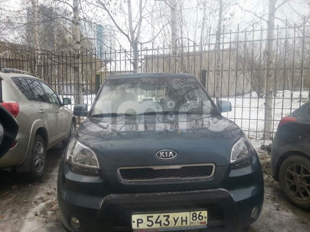 Подержанный Kia Soul, хорошее состояние, зеленый металлик, 2010 года выпуска, цена 500 000 руб. в ао. Ханты-Мансийском Автономном округе - Югре