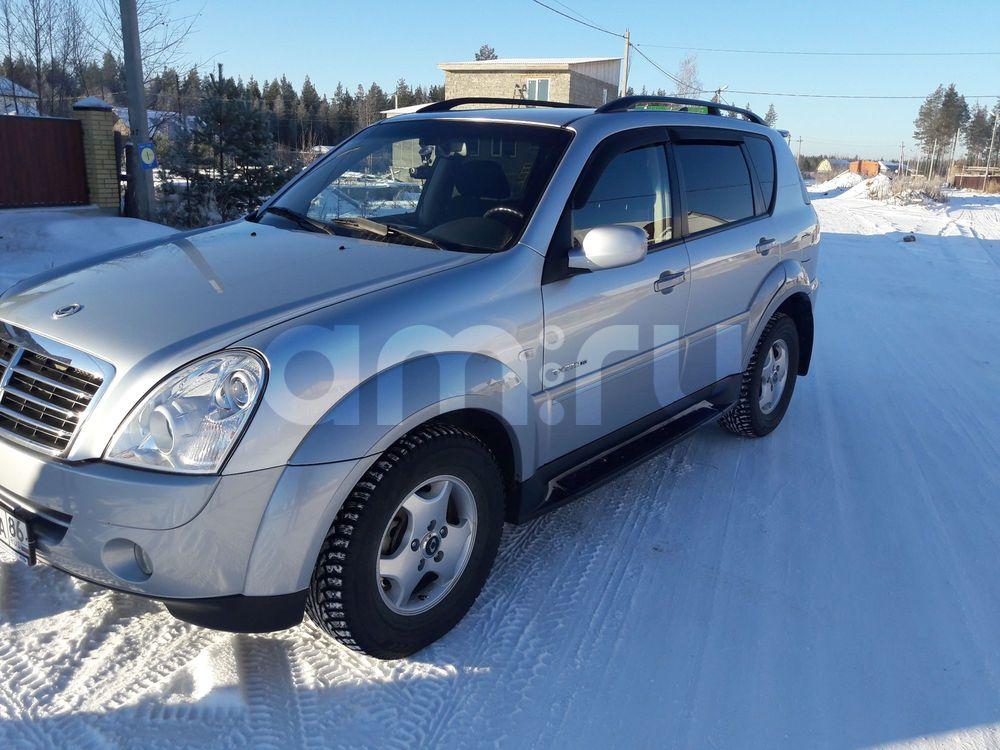 Подержанный SsangYong Rexton, отличное состояние, серебряный , 2008 года выпуска, цена 680 000 руб. в ао. Ханты-Мансийском Автономном округе - Югре