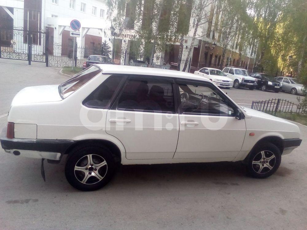 Подержанный ВАЗ (Lada) 2109, хорошее состояние, белый , 2000 года выпуска, цена 55 000 руб. в Тюмени