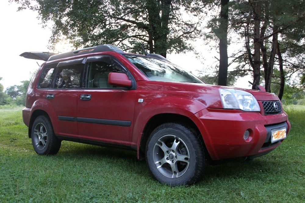 Подержанный Nissan X-Trail, отличное состояние, красный , 2006 года выпуска, цена 620 000 руб. в Владивостоке