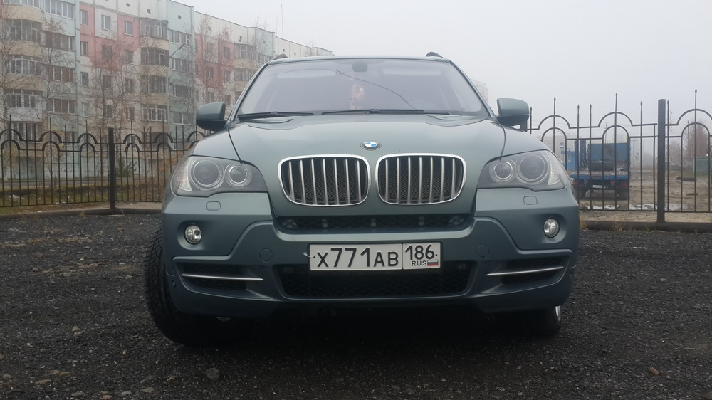 Подержанный BMW X5, отличное состояние, серый бриллиант, 2007 года выпуска, цена 950 000 руб. в ао. Ханты-Мансийском Автономном округе - Югре