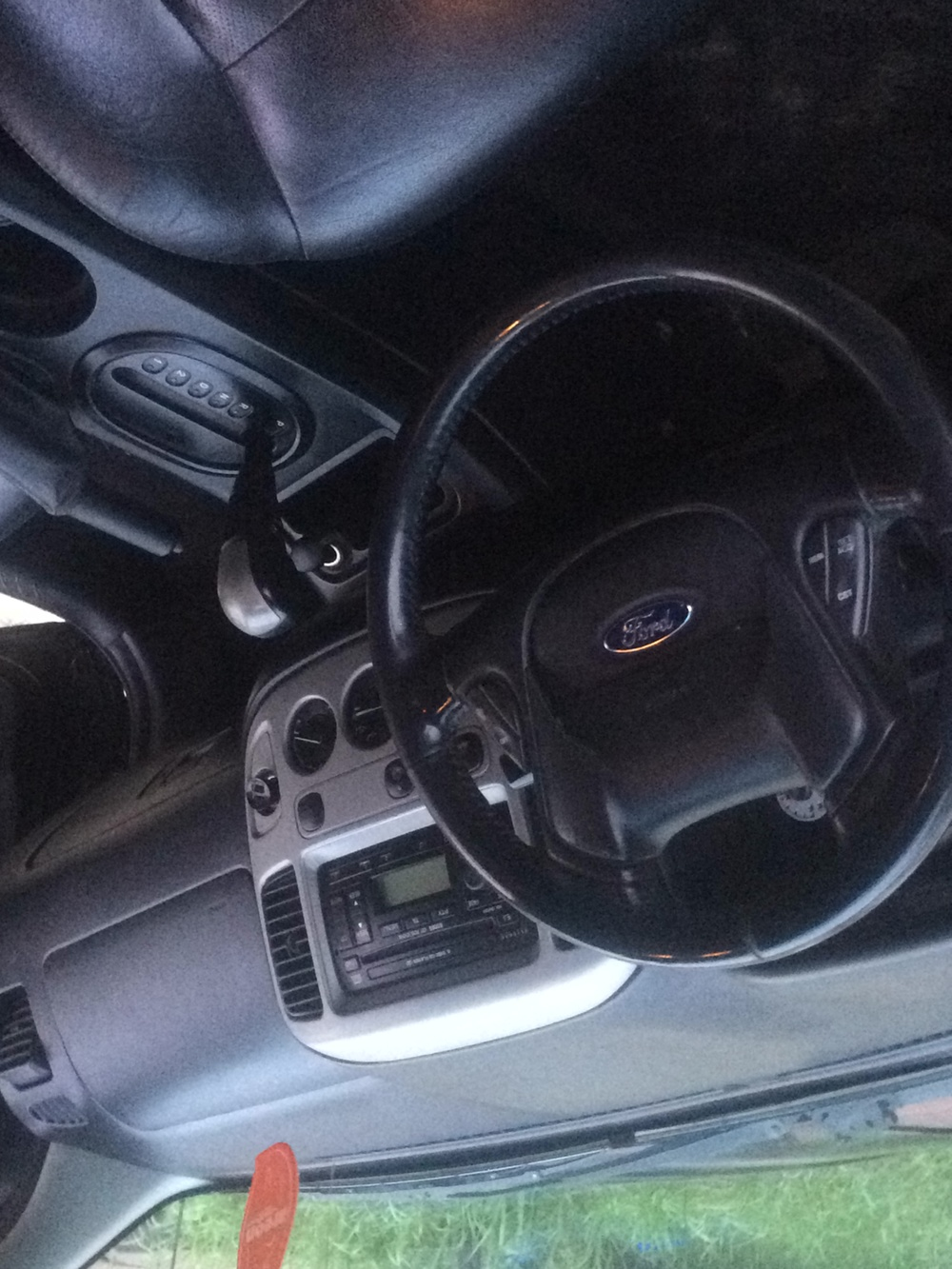 Подержанный Ford Maverick, хорошее состояние, черный , 2006 года выпуска, цена 399 000 руб. в ао. Ханты-Мансийском Автономном округе - Югре