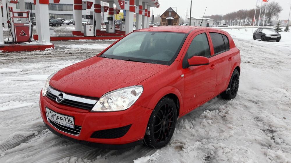 Подержанный Opel Astra, отличное состояние, красный акрил, 2007 года выпуска, цена 285 000 руб. в республике Татарстане