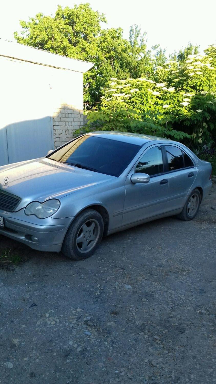 Подержанный Mercedes-Benz C-Класс, отличное состояние, серебряный металлик, 2001 года выпуска, цена 345 000 руб. в Саратове