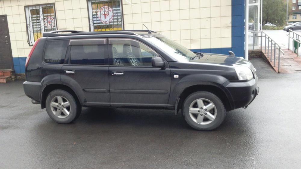Подержанный Nissan X-Trail, хорошее состояние, черный , 2006 года выпуска, цена 580 000 руб. в Кемеровской области