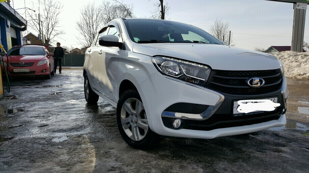 Подержанный ВАЗ (Lada) XRAY, отличное состояние, белый , 2016 года выпуска, цена 719 000 руб. в Костромской области