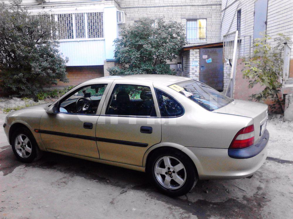 Подержанный Opel Vectra, отличное состояние, зеленый , 1996 года выпуска, цена 130 000 руб. в Саратове