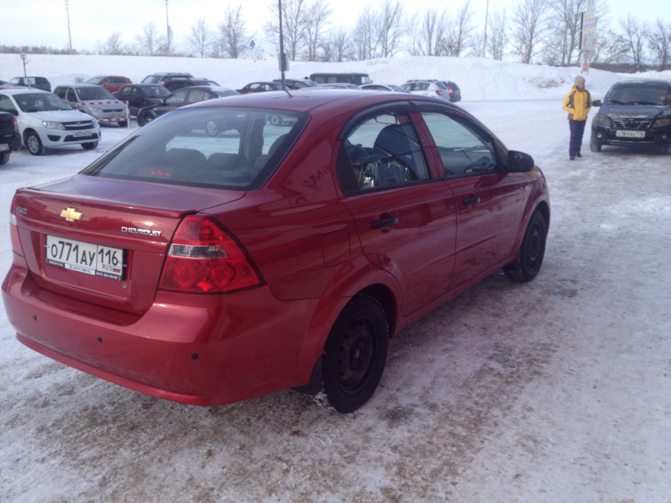 Подержанный Chevrolet Aveo, отличное состояние, вишневый металлик, 2011 года выпуска, цена 285 000 руб. в республике Татарстане