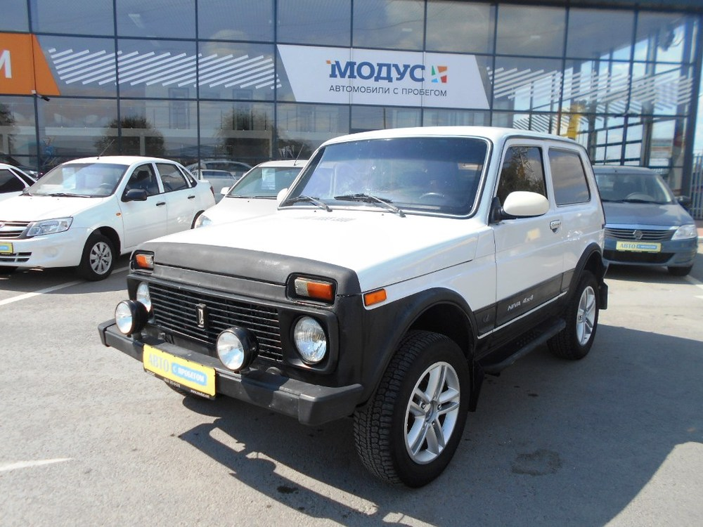 ВАЗ (Lada) 4x4 с пробегом, белый , отличное состояние, 2004 года выпуска, цена 160 000 руб. в автосалоне  ()