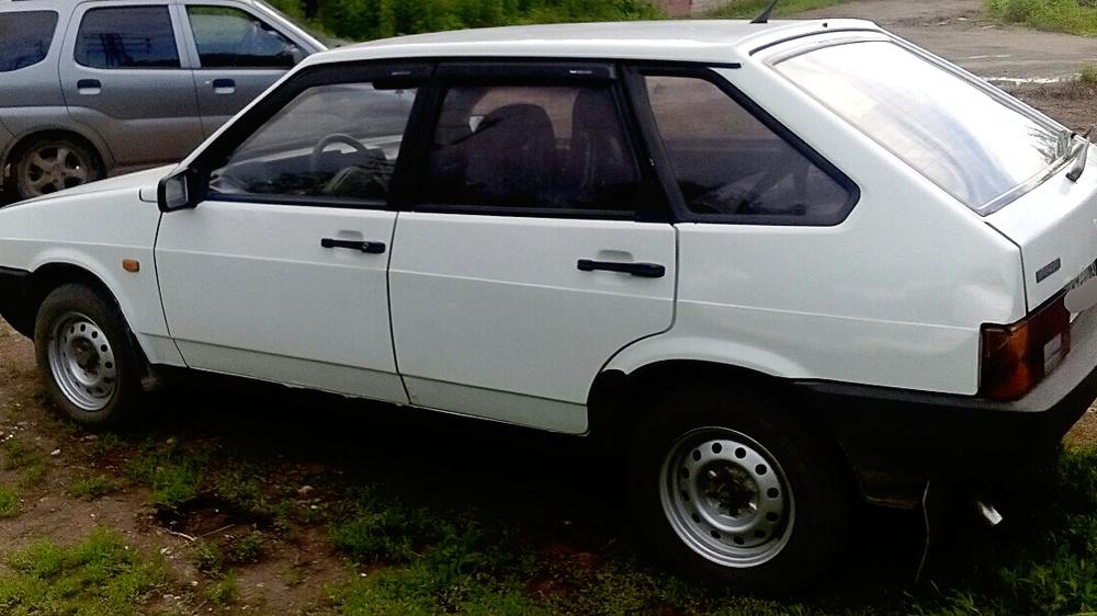 Подержанный ВАЗ (Lada) 2109, хорошее состояние, белый , 2001 года выпуска, цена 50 000 руб. в Самаре