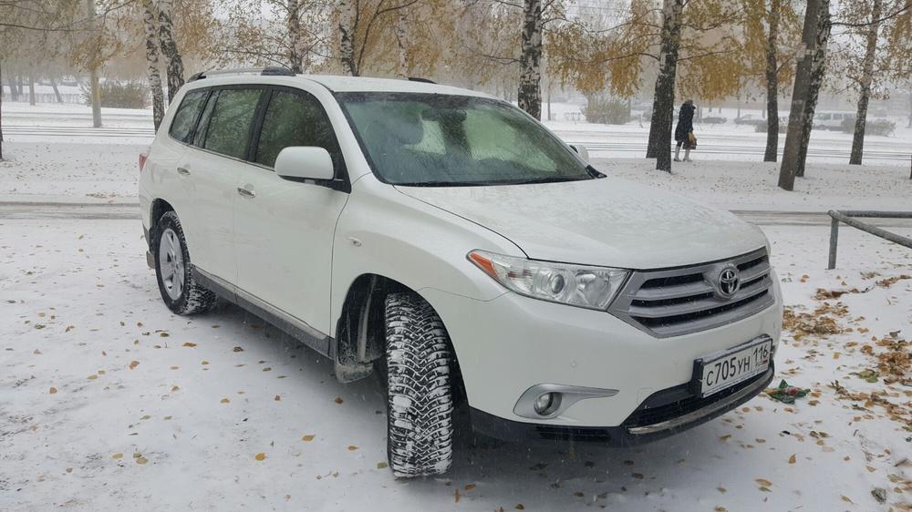 Подержанный Toyota Highlander, хорошее состояние, белый , 2012 года выпуска, цена 1 330 000 руб. в республике Татарстане