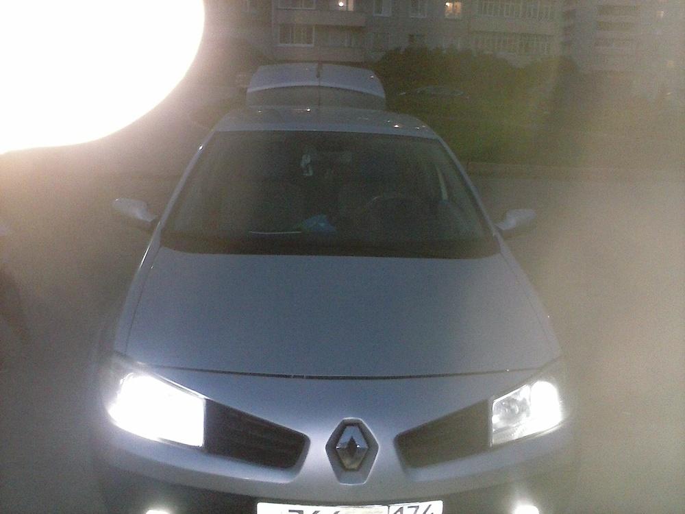 Подержанный Renault Megane, хорошее состояние, серебряный металлик, 2006 года выпуска, цена 275 000 руб. в Челябинской области