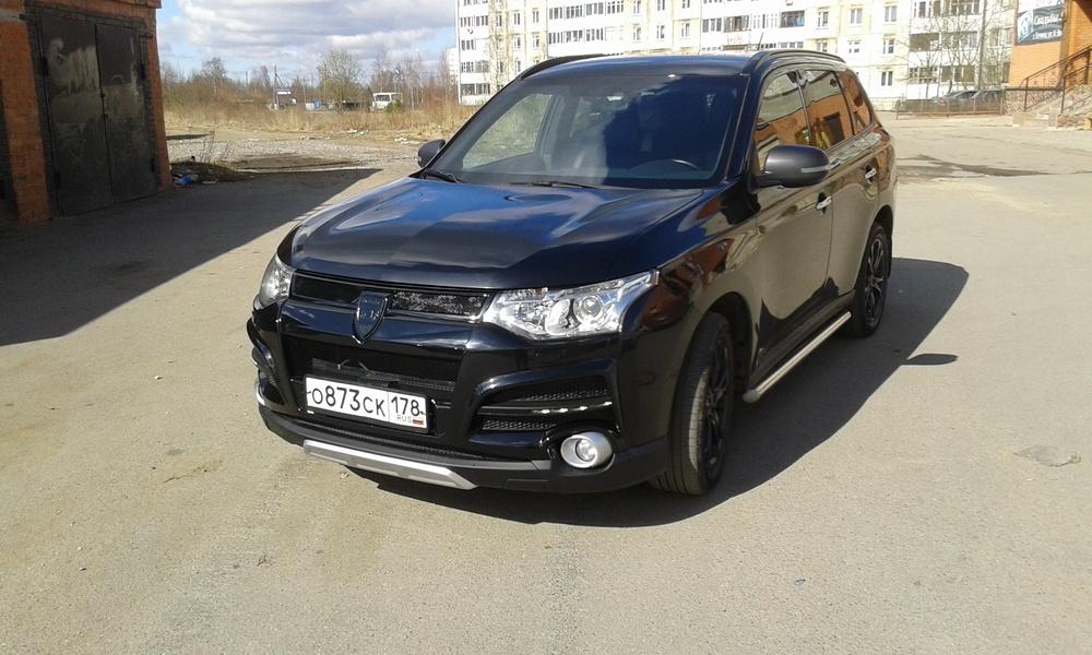 Подержанный Mitsubishi Outlander, отличное состояние, черный , 2013 года выпуска, цена 1 170 000 руб. в Санкт-Петербурге