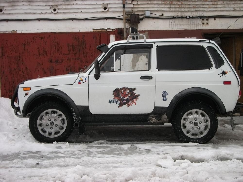 Подержанный ВАЗ (Lada) 4x4, хорошее состояние, белый , 1988 года выпуска, цена 100 000 руб. в Челябинской области