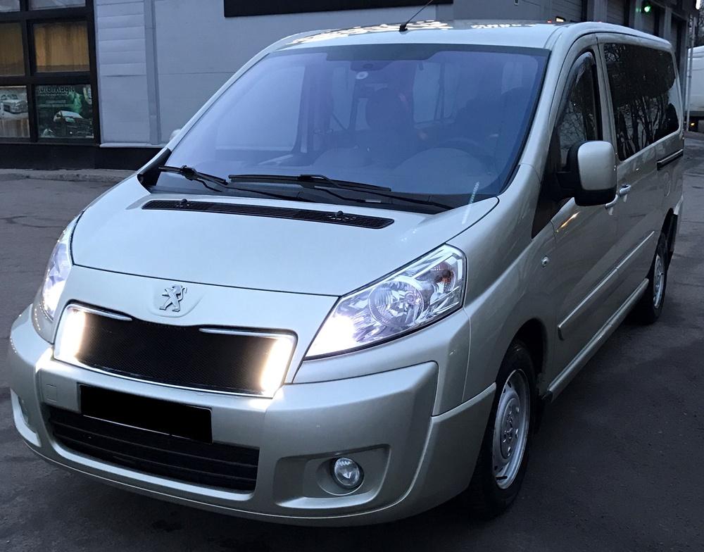 Подержанный Peugeot Expert, отличное состояние, бежевый , 2014 года выпуска, цена 1 400 000 руб. в Санкт-Петербурге