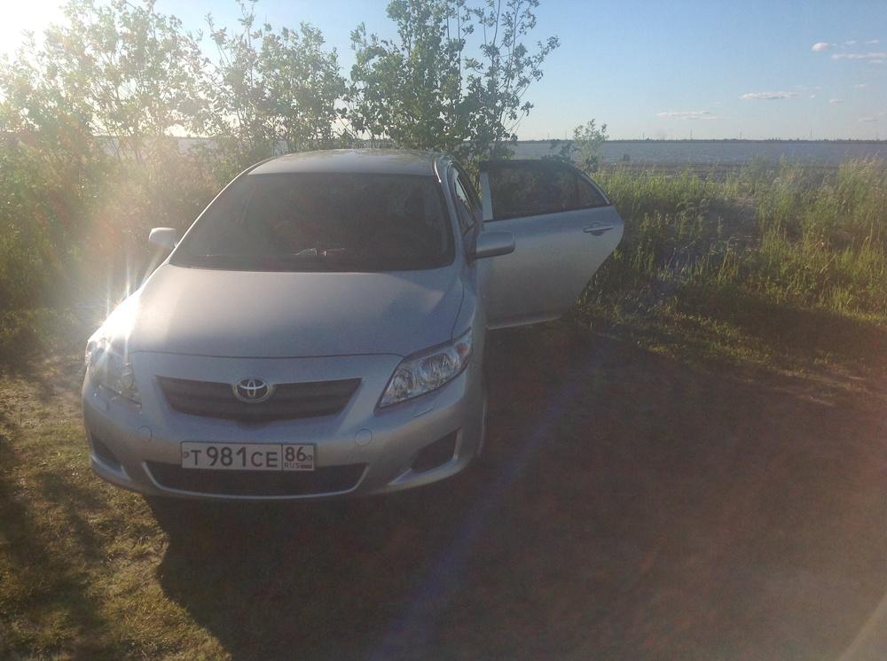 Подержанный Toyota Corolla, хорошее состояние, серебряный металлик, 2007 года выпуска, цена 420 000 руб. в ао. Ханты-Мансийском Автономном округе - Югре
