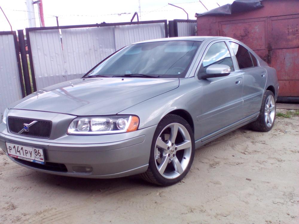 Подержанный Volvo S60, хорошее состояние, серебряный , 2007 года выпуска, цена 500 000 руб. в ао. Ханты-Мансийском Автономном округе - Югре