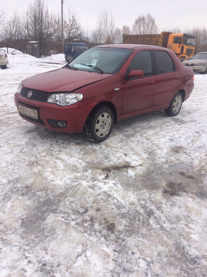 Подержанный Fiat Albea, хорошее состояние, красный , 2008 года выпуска, цена 200 000 руб. в Нижнем Новгороде
