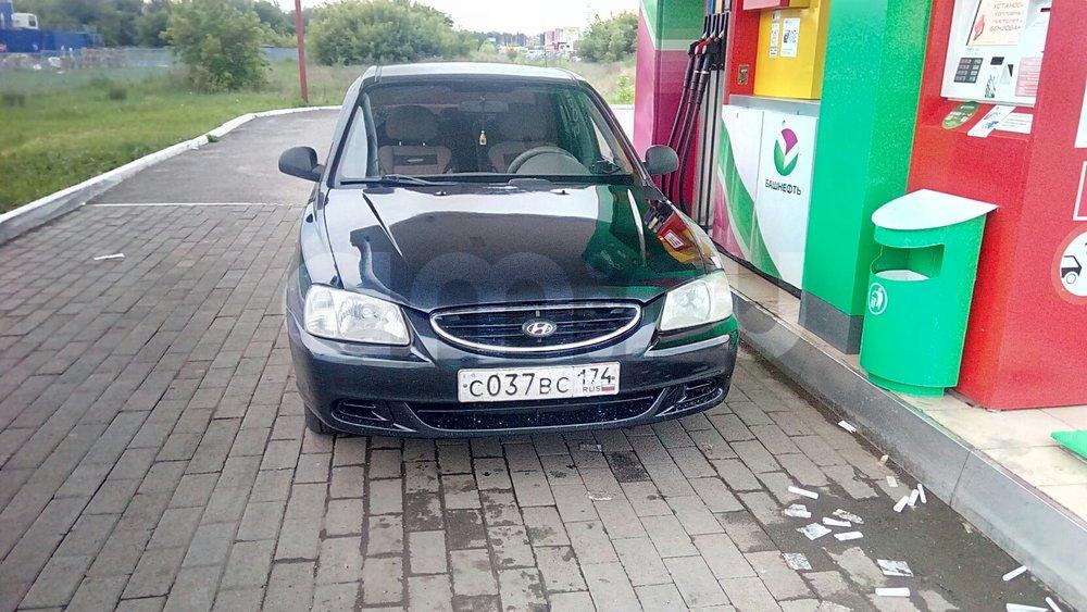 Подержанный Hyundai Accent, хорошее состояние, черный , 2008 года выпуска, цена 210 000 руб. в Челябинской области
