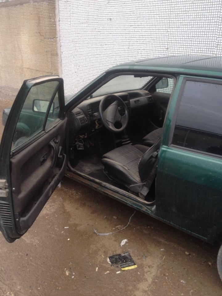 Подержанный Volkswagen Polo, хорошее состояние, зеленый металлик, 1992 года выпуска, цена 30 000 руб. в республике Татарстане