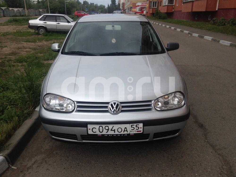 Подержанный Volkswagen Golf, хорошее состояние, серебряный , 2000 года выпуска, цена 230 000 руб. в Омске