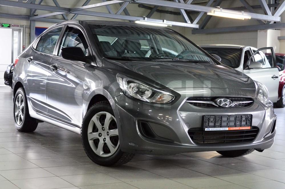 Hyundai Solaris с пробегом, черный перламутр, отличное состояние, 2011 года выпуска, цена 499 000 руб. в автосалоне Березовский привоз (Екатеринбург, тракт Березовский, д. 4Б)