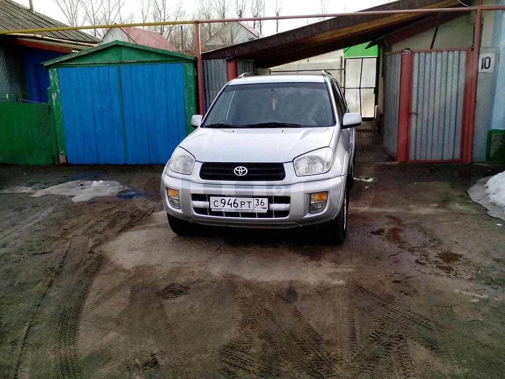 Подержанный Toyota RAV4, отличное состояние, серебряный , 2000 года выпуска, цена 370 000 руб. в Воронежской области
