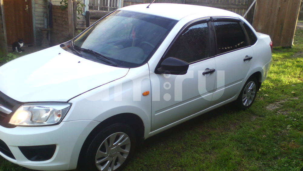 Подержанный ВАЗ (Lada) Granta, отличное состояние, белый , 2016 года выпуска, цена 360 000 руб. в Костромской области