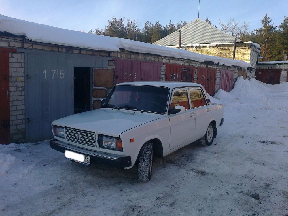 Подержанный ВАЗ (Lada) 2107, хорошее состояние, белый , 2008 года выпуска, цена 90 000 руб. в Ульяновской области