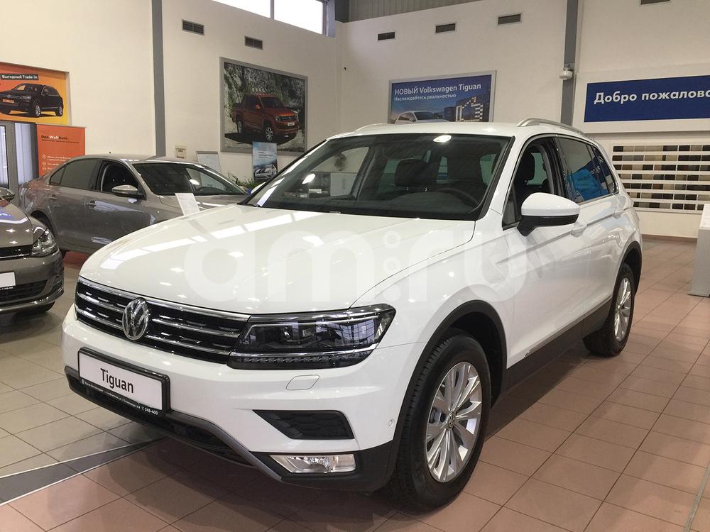 Новый авто Volkswagen Tiguan, белый , 2017 года выпуска, цена 2 101 600 руб. в автосалоне Крым-Автохолдинг Volkswagen (Симферополь, ул. Героев Сталинграда, д. 6В)