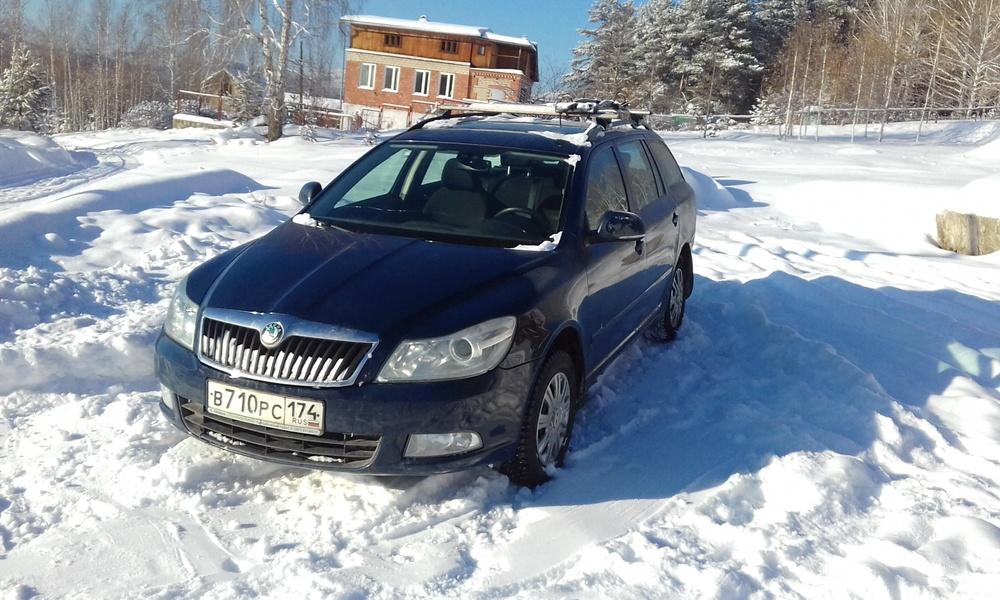 Подержанный Skoda Octavia, хорошее состояние, синий металлик, 2012 года выпуска, цена 480 000 руб. в Челябинской области
