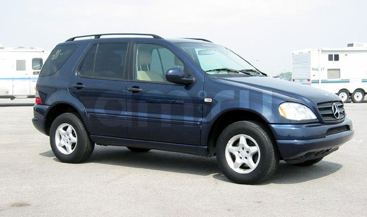 Подержанный Mercedes-Benz M-Класс, отличное состояние, синий , 2000 года выпуска, цена 650 000 руб. в Челябинской области