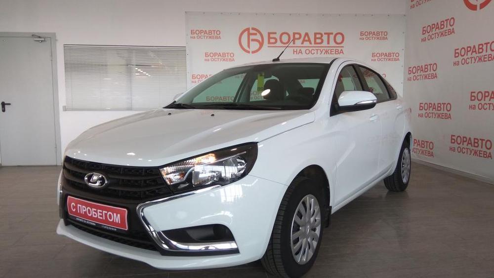 ВАЗ (Lada) Vesta с пробегом, белый , отличное состояние, 2016 года выпуска, цена 519 000 руб. в автосалоне  ()