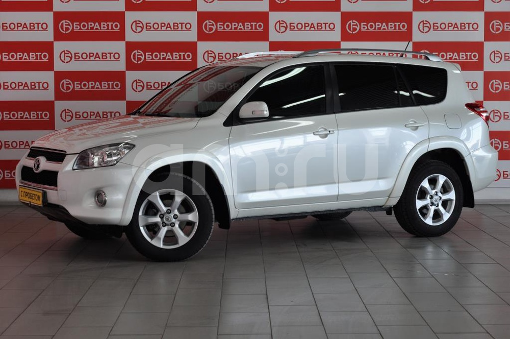 Toyota RAV4 с пробегом, белый матовый, отличное состояние, 2011 года выпуска, цена 1 250 000 руб. в автосалоне БОРАВТО Эксперт Борисоглебск (Борисоглебск, ул. Матросовская, д. 127)