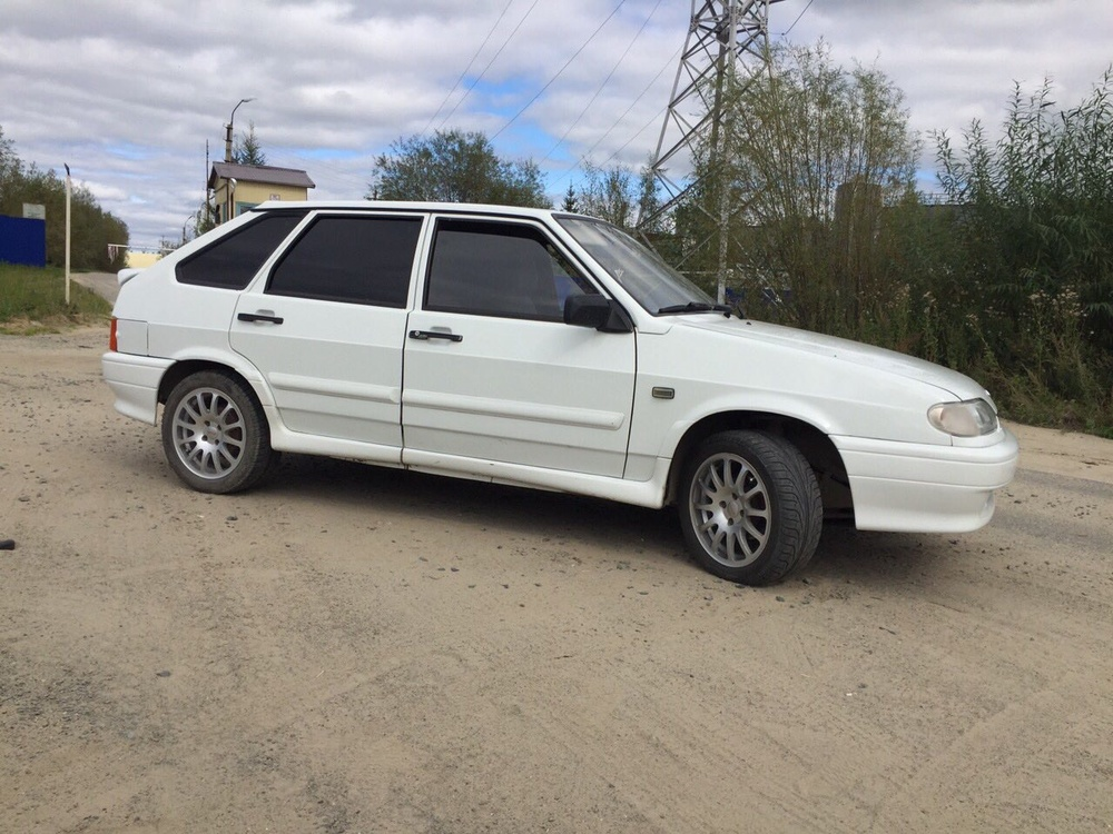 Подержанный ВАЗ (Lada) 2114, отличное состояние, белый , 2011 года выпуска, цена 210 000 руб. в ао. Ханты-Мансийском Автономном округе - Югре